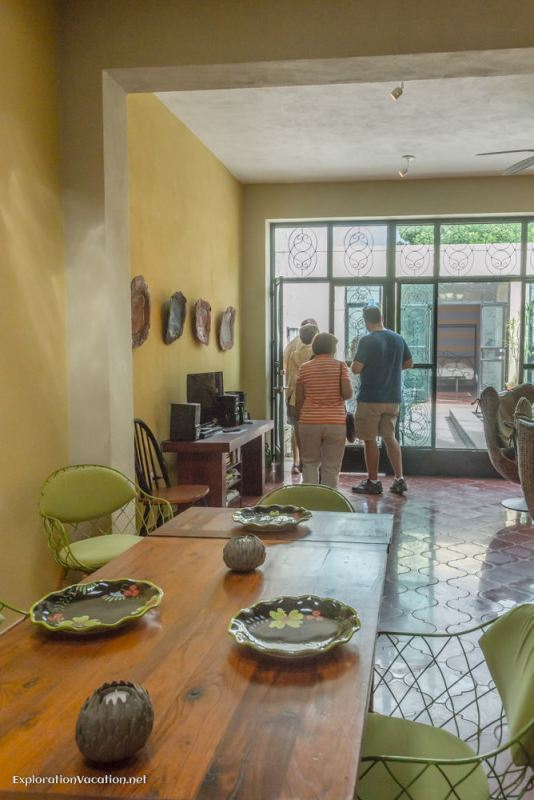 kitchen and living room house tour in Merida