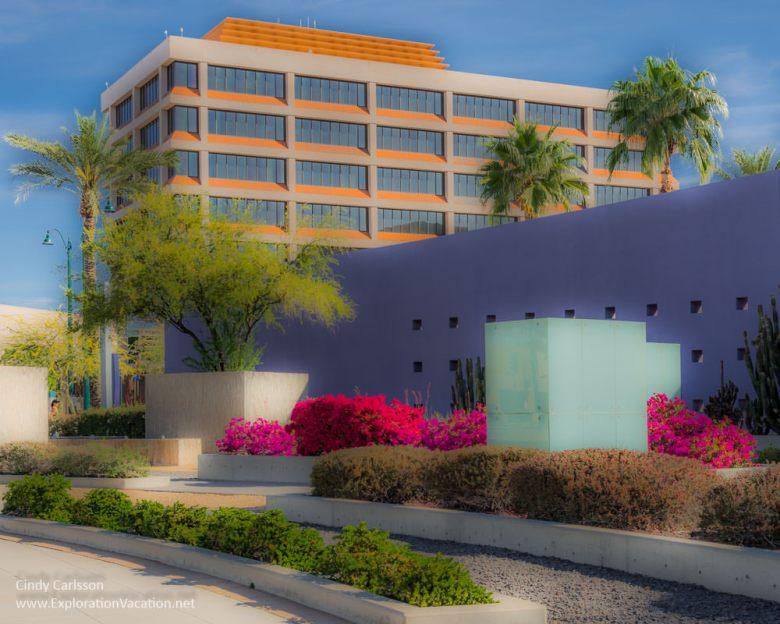 Art and flowers in Mesa AZ - ExplorationVacation.net