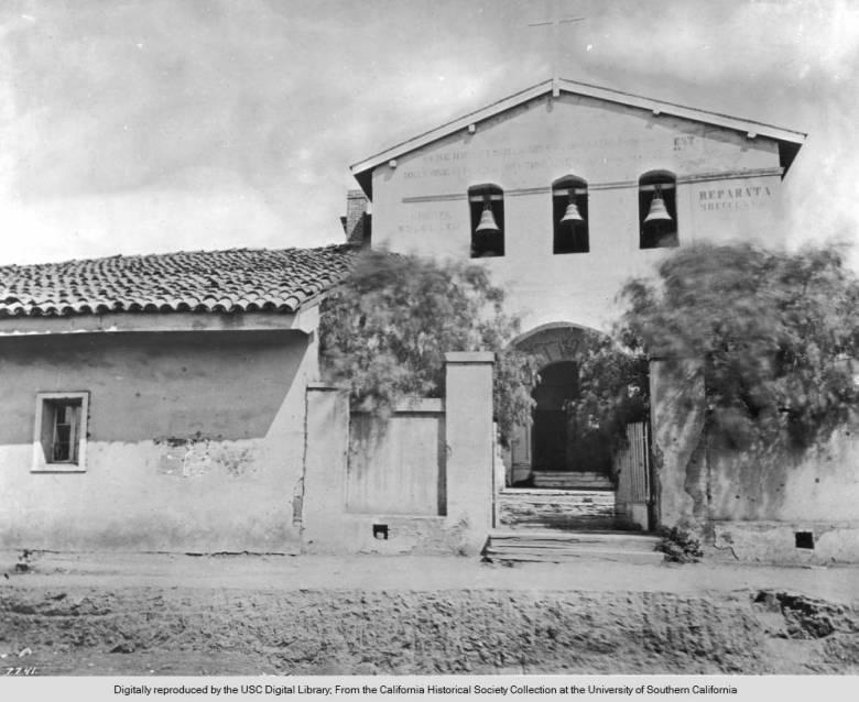 Exterior_view_of_the_Mission_San_Luis_Obispo_ca1865