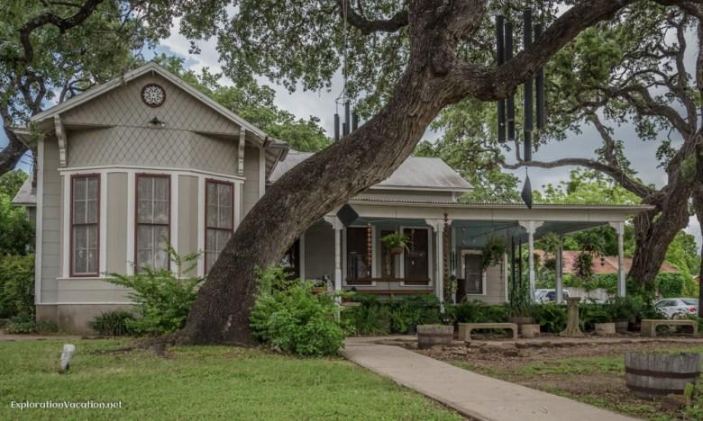 historic home Gruene Texas - ExplorationVacation.net