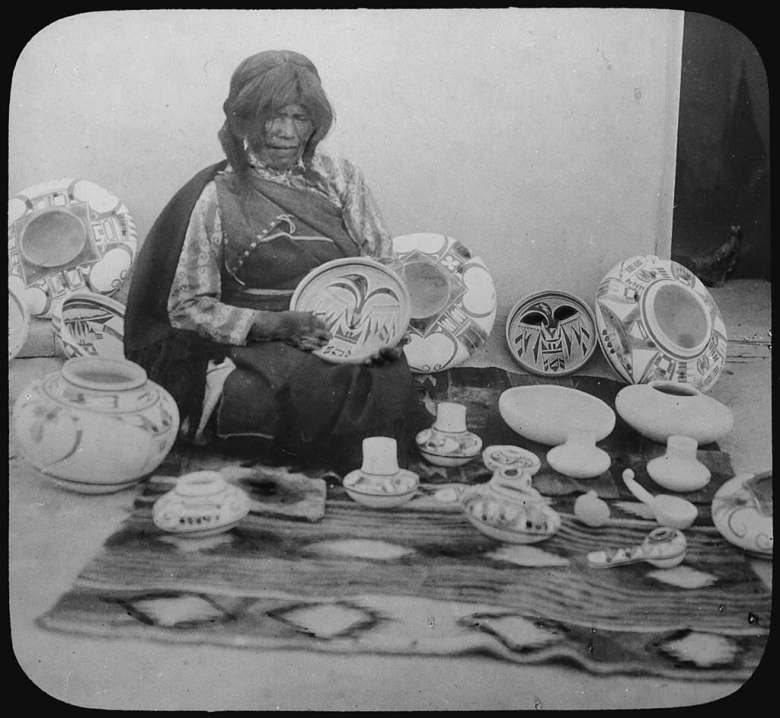 Nampeyo of Hano Hopi potter with her work in 1900