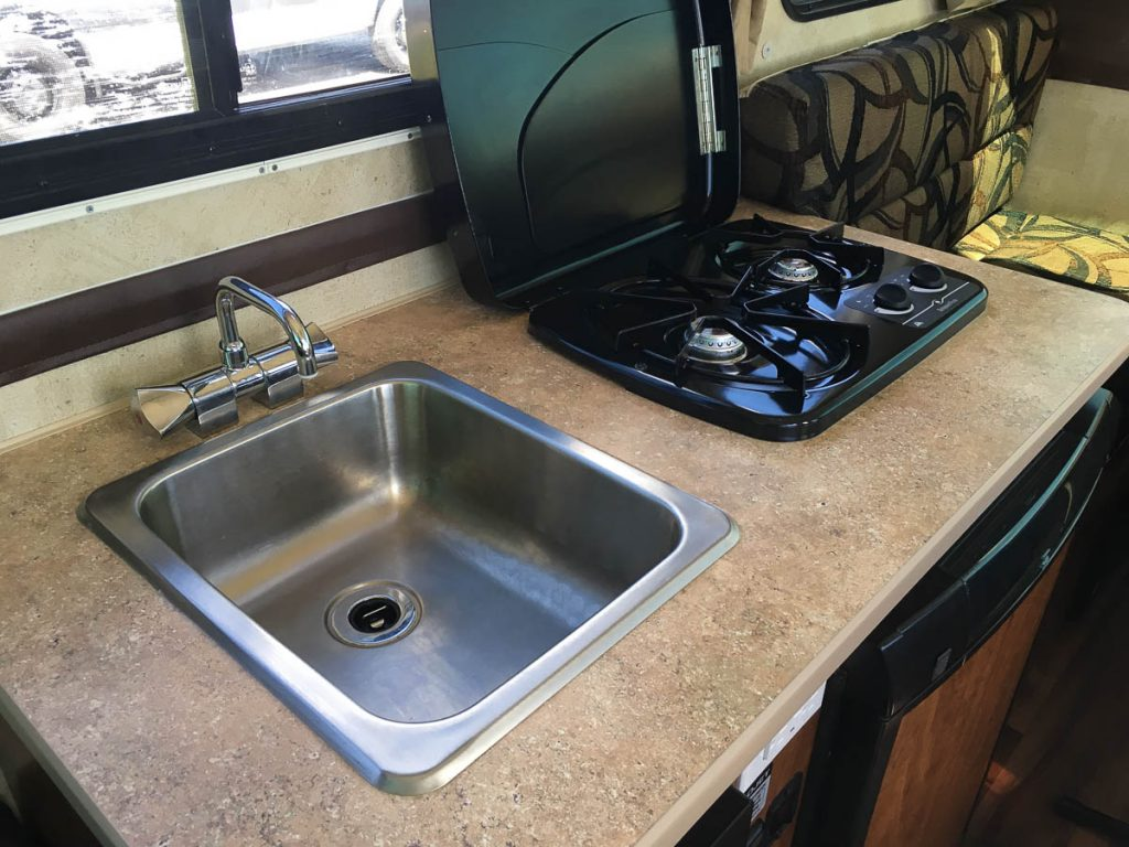 chalet-trail-boss-sink-interior_trailers_content