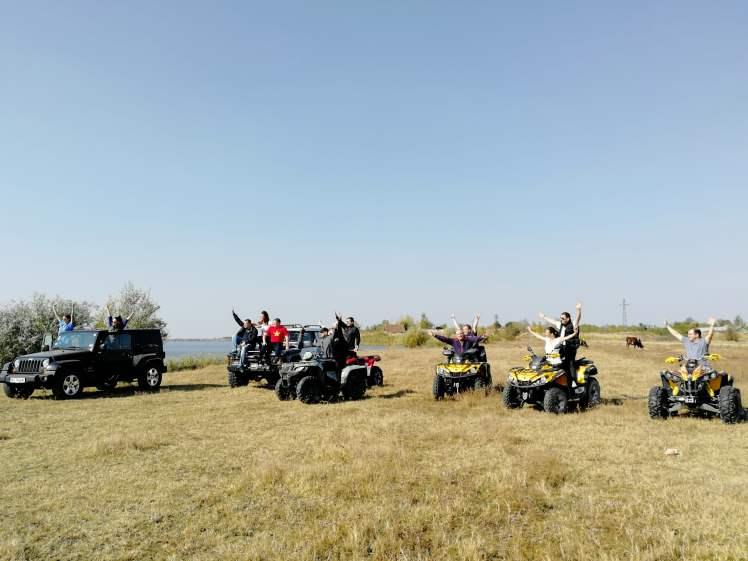 Team building Serbia, riding squares