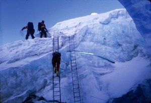 khumbu icefall everest