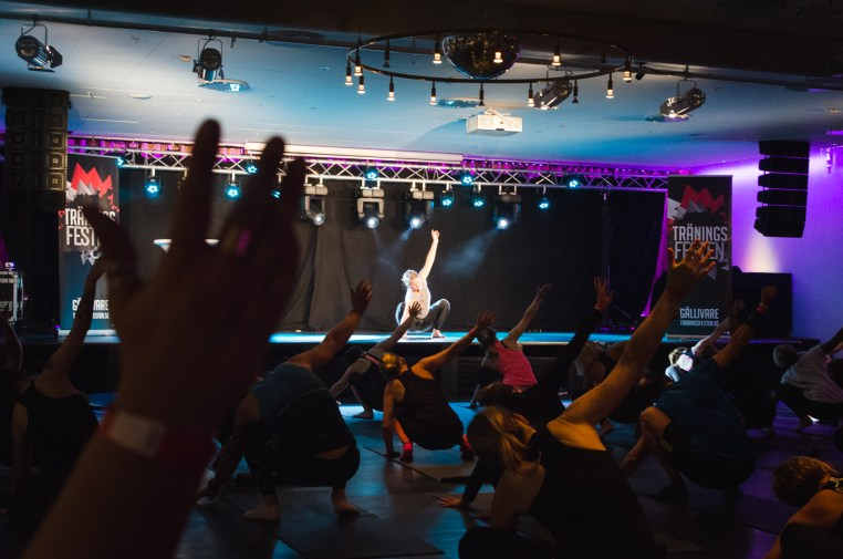 Yoga with Tiina Ravelin Holy Heart at Träningsfesten