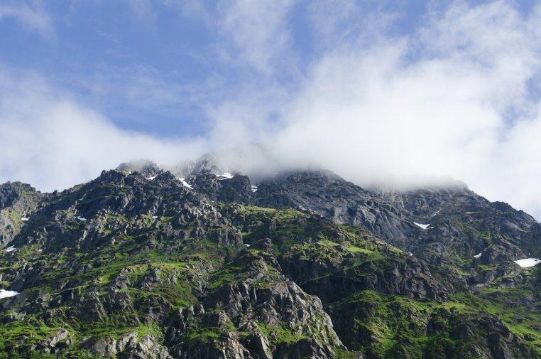 Berg i lofoten -Amanda Matti © explorealittlemore.se