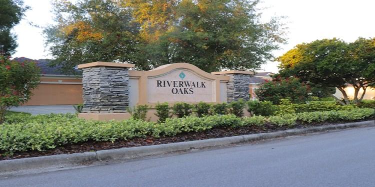 RIverwalk Oaks at Lakewood Ranch Entrance