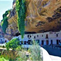 Setenil de las bodegas la cueva de la sombra pueblo blanco Cádiz Explore la Tierra