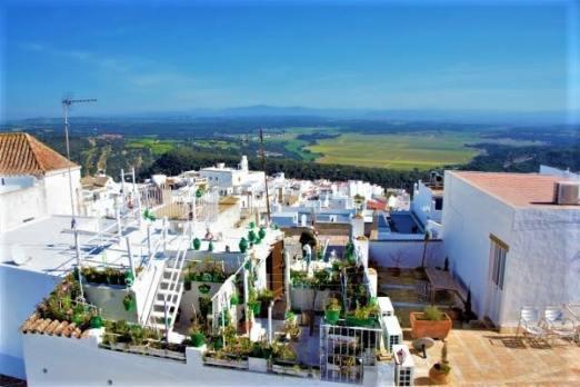 Vistas desde castillo vejer de la frontera panorama pueblo blanco white village Cadiz Explore la Tierra-min
