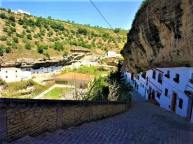 setenil de las bodegas calle juderia viewpoint vistas panorama pueblo blanco white village Cadiz Explore la Tierra-min