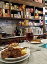 Local tavern tapas tour in Cadiz