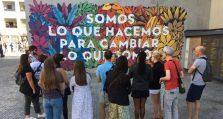Artistic murals tour in Madrid