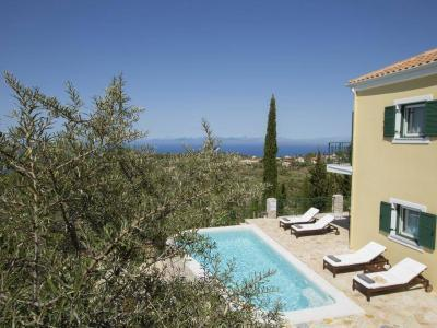 explore-lefkada-eco-friendly-villas-32