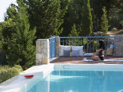 explore-lefkada-eco-friendly-villas-34