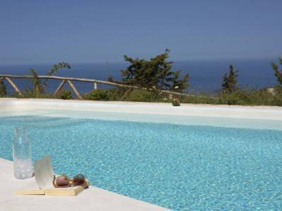 explore-lefkada-eco-friendly-villas-40