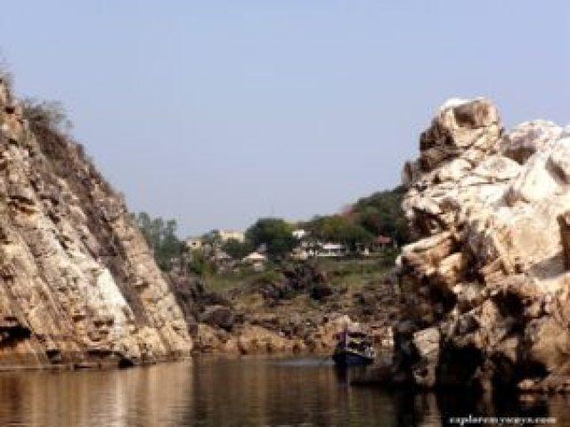 Marble rock bhedaghat