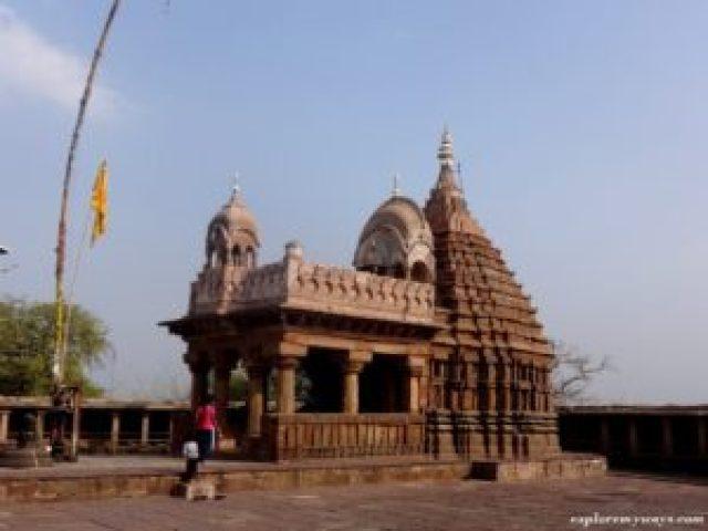 64 yogini temple, Bhedaghat