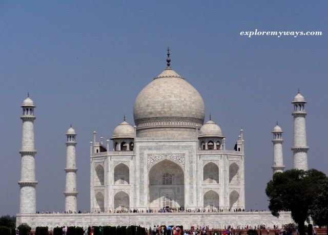 A perfect front view of Great Taj Mahal