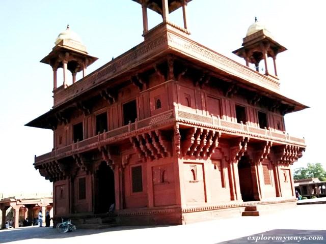 Diwan-e-Khas in Fatehpur Sikri fort