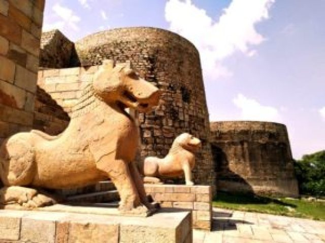 Entrance of Garhi Padavali