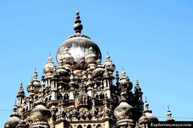 unique features of Mahabat Maqbara in Junagarh Gujarat