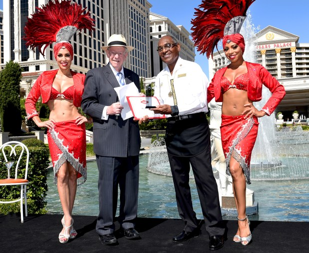 Las Vegas Convention and Visitors Authority Host Committee Chairman Oscar B. Goodman presents the Lifetime Achievement Award to Figgins in 2016 (Glenn Pinkerton/Las Vegas News Bureau).