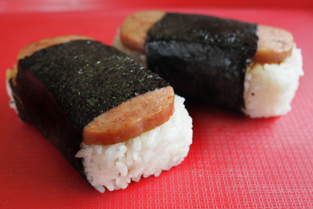 Spam musubi became a favorite lunch staple in post-war Hawaii.