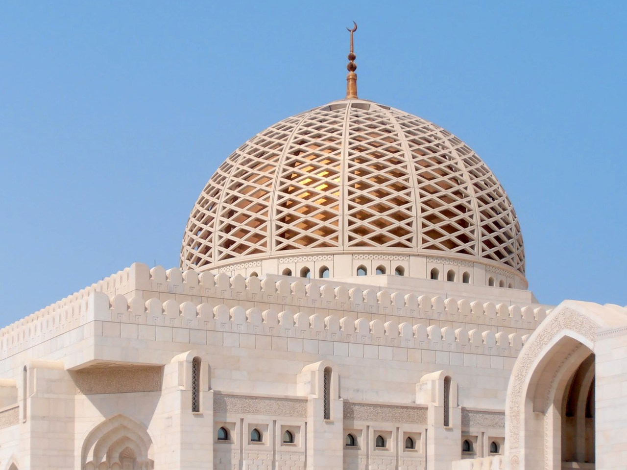 The Sultan Qaboos Grand Mosque. (Photo by Linda Pappas Funsch)