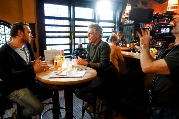 Bourdain with René Stessl at Kleine Glocke.