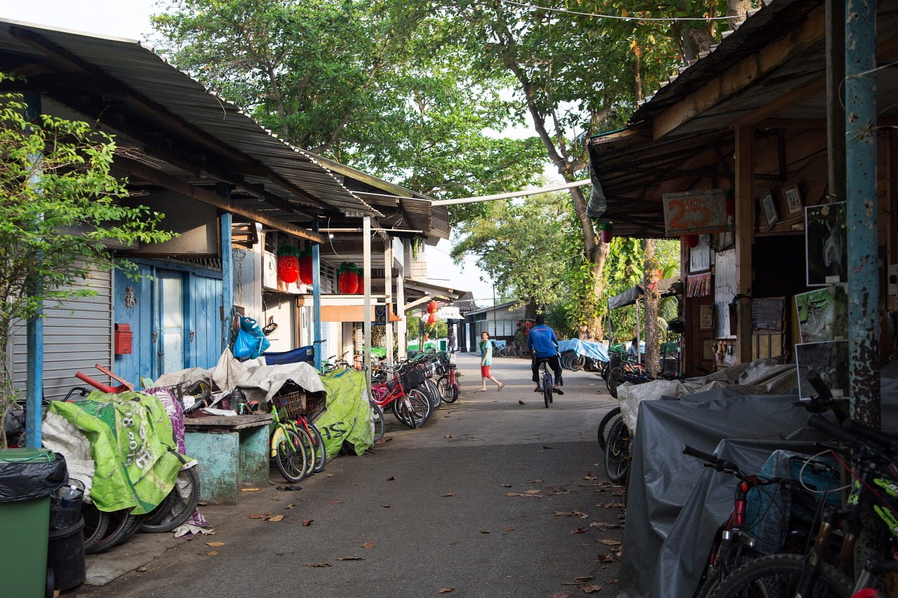 Some of the bicycle rental stalls are closed on weekdays, when there are few visitors.