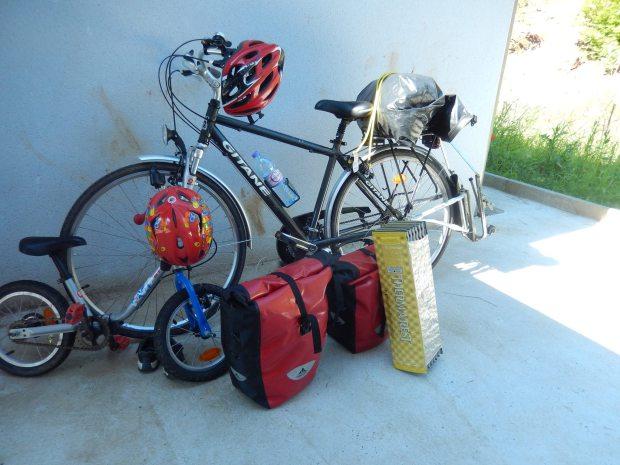 voyager à vélo avec enfants cyclotourisme