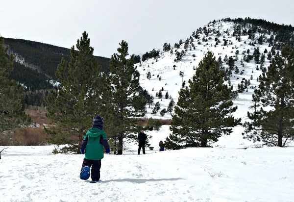 Family snowshoeing in Rocky Mountain National Park