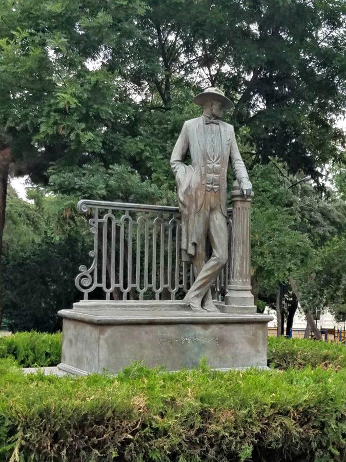 Lado statue, Tbilisi