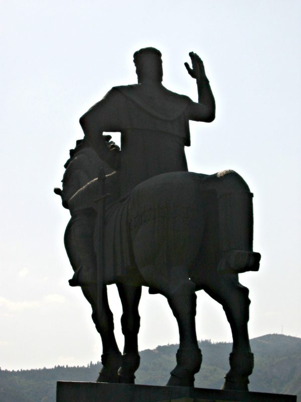 Tbilisi Vakhtang statue, Metekhi