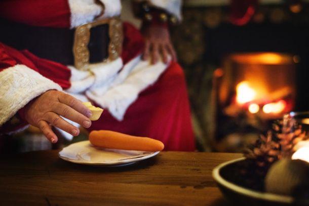 Santa eating keto Christmas cookies #ketochristmas #ketocookies