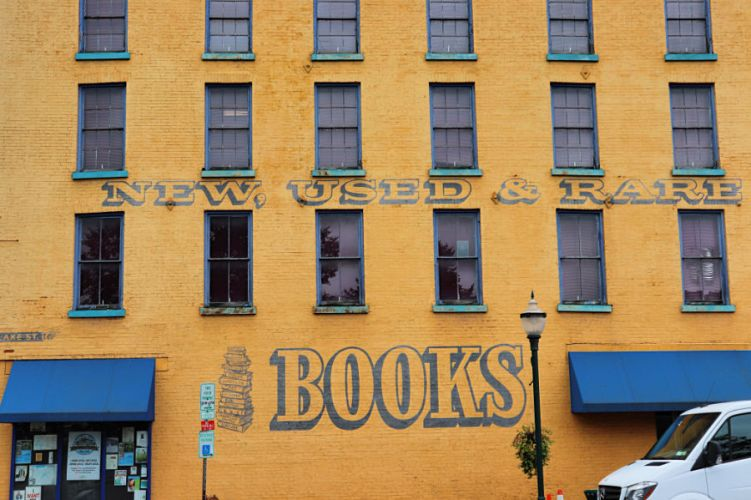 Riverow Bookshop Owego New York #experiencetioga #ilovebookshops #reading #explorermomma #explorermommatravel