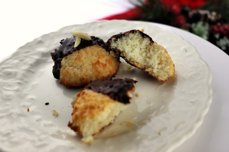 Keto coconut macaroons, Santa's been in the cookies! #ketochristmas #lowcarbcookies