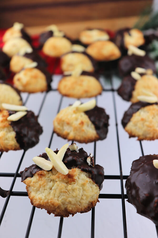 Keto Coconut Macaroons, a low carb holiday recipe. Gluten-free and sugar-free delicious! #ketocookies #lowcarbrecipes