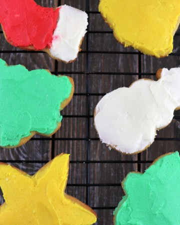 Keto cut out sugar cookies are fun and delicious frosted or not. Kid-friendly and low carb. #lowcarbrecipes #ketocookies