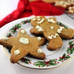 Keto gingerbread cookies on a Christmas plate. Gluten-free, sugar free, low carb ginger classics. #ketocookies #lowcarbcookies
