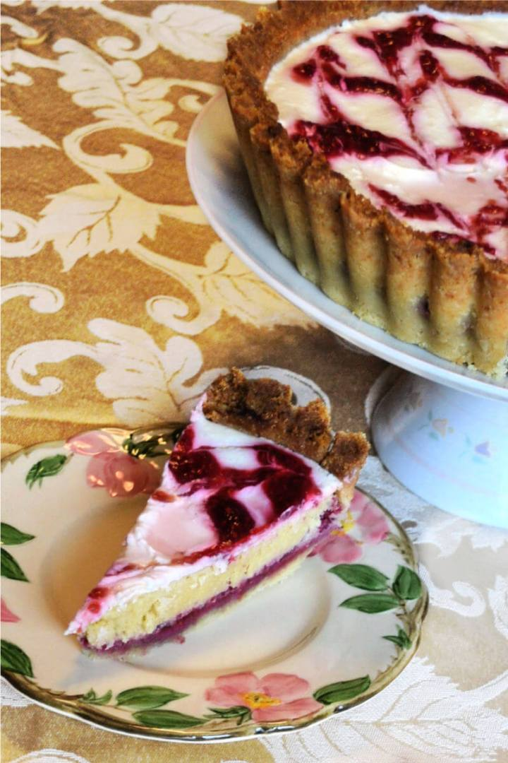 A piece of flavorful keto Bakewell tart will be a huge low carb hit at a picnic or party. #ketorecipes #lowcarbdessert