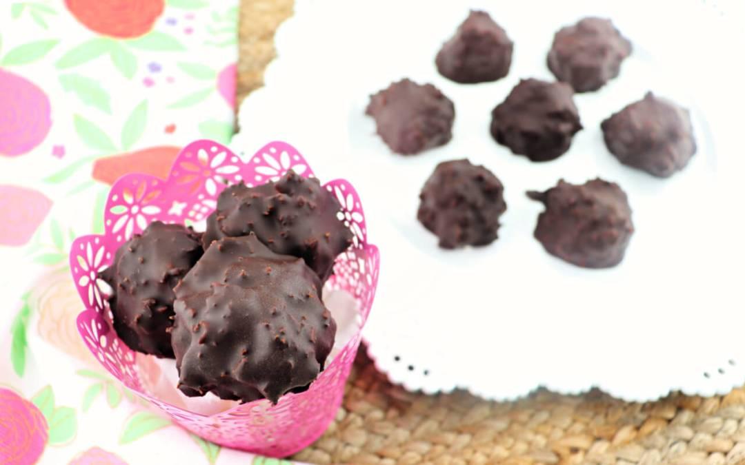 Keto Chocolate Coconut Balls