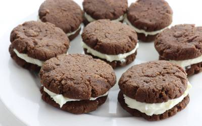 Low Carb Keto Chocolate Sandwich Cookies