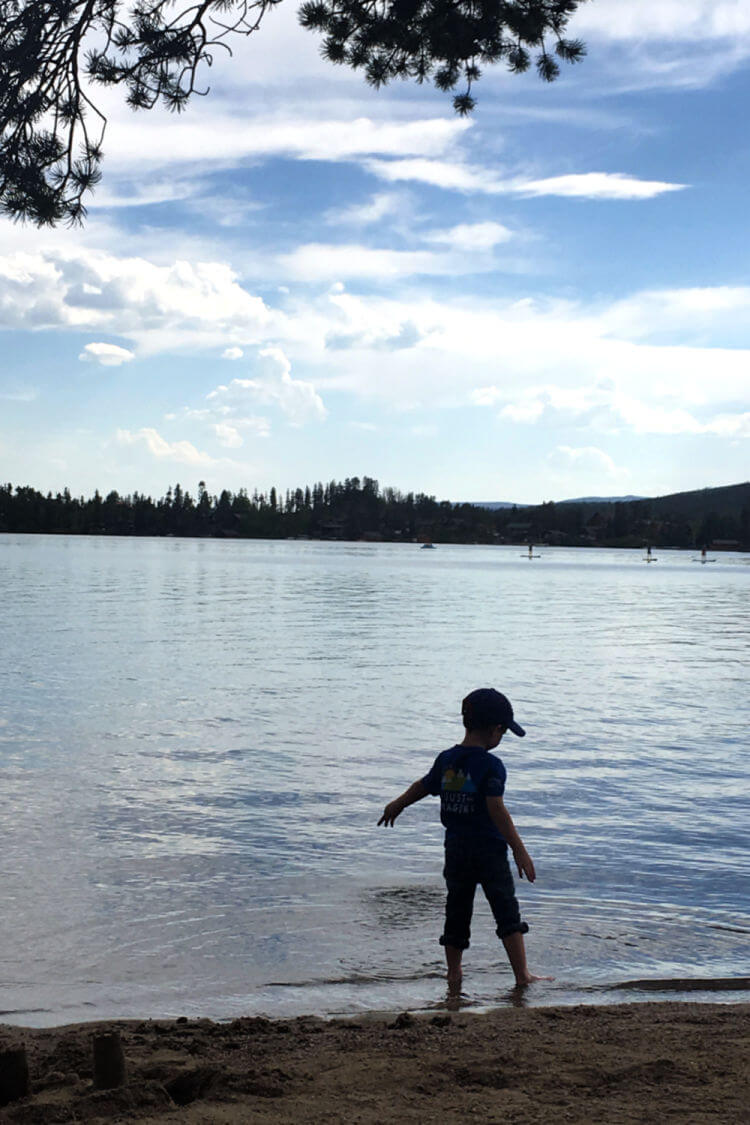 Boy by Grand Lake Colorado #grandlakeco #familytravel