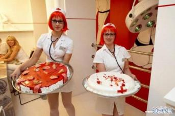 Nurses at the ex-Hospitālis with a cake of tongues