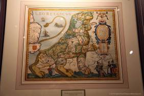 The Low Countries shown as a lion, 1617