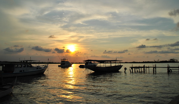 Sunset Pantai Marina