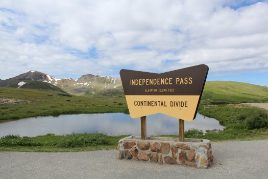Independence Pass driving south from Aspen