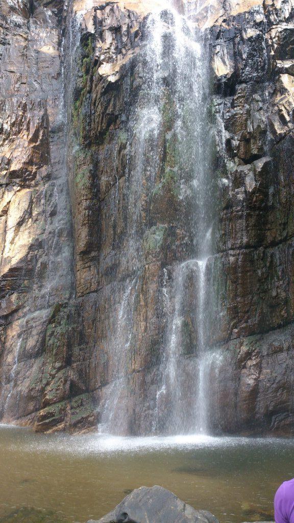 Pool below Diyaluma falls