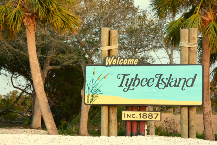 Welcome to Tybee Island sign